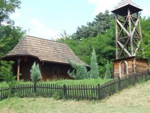 Drevený kostolík ako turistická atrakcia