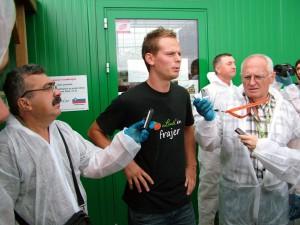Simon Horvat počas vyhlásenia novinárom