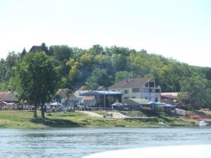Pohľad z Dunaja na mravenisko v Banoštore