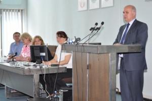 Na matičnom zhromaždení veľvyslanec SR v Belehrade Ján Varšo sa prihováral o solidaritu pri rozvrhovaní grantov zo Slovenskej republiky