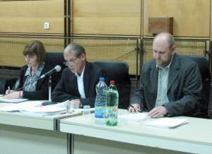 Staronové vedenie ZO Stará Pazova: (zľava) tajomníčka Nevenka Čmelíková (zmenená), predseda Radoje Blagojević a podpredseda Alexander Bako (novozvolený)