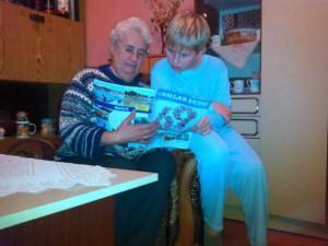Večer vnuka s babkou a s Hlasom ľudu