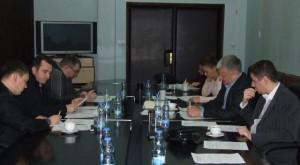 Záber zo zasadnutia Výboru pre úradné používanie jazyka a písma NRSNM v Báčskom Petrovci