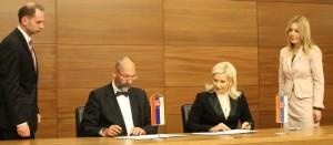 Z  júnového podpisovania protokolu zo zasadania zmiešanej komisie