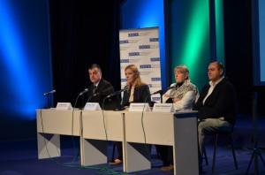 Z verejnej rozpravy o Návrhu zákona o verejných servisoch v Novom Sade v októbri 2013 (foto: J. Pániková)