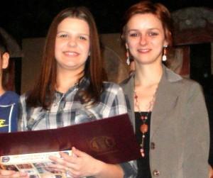 Profesorka Anna Kovárovaá a žiačka Maja Mravíková (foto: S. Stupavský)