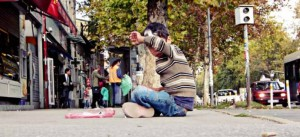 Tieto deti sú často odkázané na seba a na ulici si musia zarábať na živobytie.