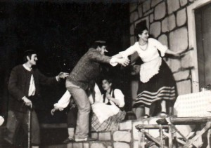 V roku 1974 už vynikol ako herec v predstavení Klbko