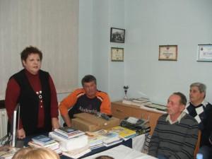 Predsedníčka MSS Katarína Melegová-Melichová potešila čelarevských matičiarov počítačom a knihami