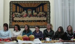 Mládežníčky z Petrovca a Pazovy na spoločnom posedení