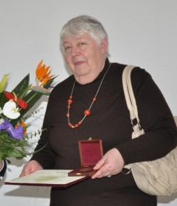 Za tvorbu získavala aj uznania: s Cenou Ondreja Štefanka (2011)