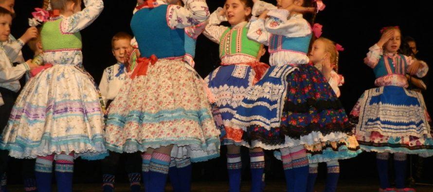 Obecná prehliadka detskej folklórnej tvorby
