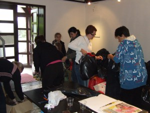 Z akcie zbierania humanitárnej pomoci v miestnostiach kulpínskej Terry (foto: K. Gažová)