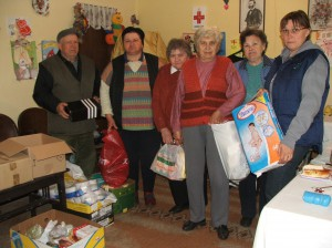 Aktivisti Červeného kríža v Kysáči  (foto: E. Šranková)