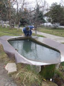 O pitnú vodu nie je núdza. Jánošíčanom sú v dispozícii početné artézske studne (Foto: V. Hudec)