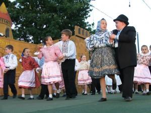 Najúspešnejší: mladšia skupina DFS Govličky, KC Aradáč (foto: E. Šranková)