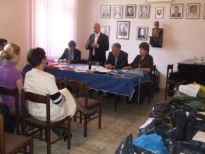 Príhovor veľvyslanca Jána Varšu počas slávnostného udeľovania darčekov pre prvákov slovenských tried v MSS