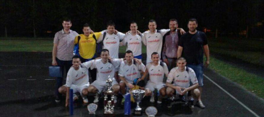 B. PETROVEC: Nočný futbalový turnaj Rastislava Pecníka – PELÉHO