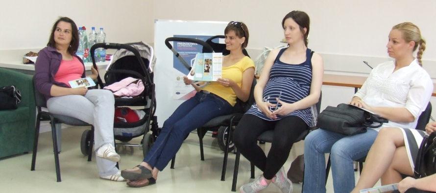 BÁČSKY PETROVEC: Činné mladé mamy, ale aj tie budúce