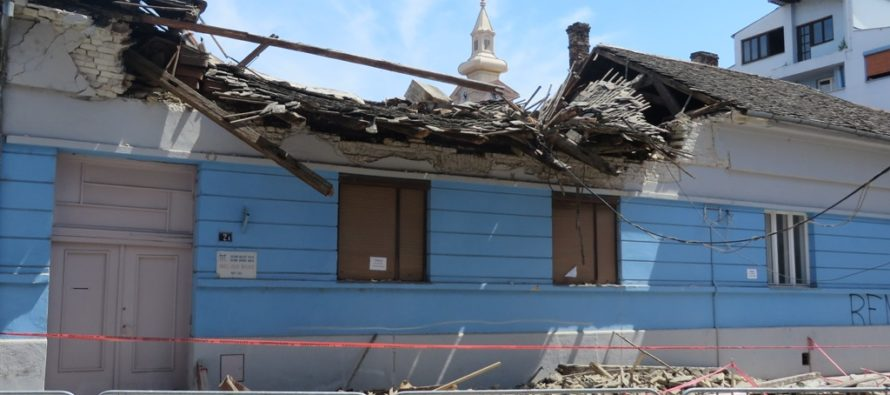 Spadla strecha na budove SKC P. J. Šafárika