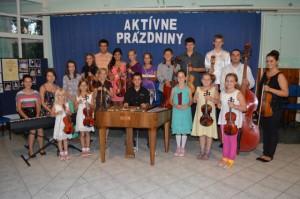 Podľa počtu účastníkov atoho, čo bolo počuť na koncerte, Selenča má zabezpečenú skvelú hudobnú budúcnosť.