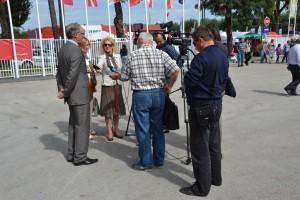 Časť agrárnych novinárov v rozhovore s riaditeľom veľtrhu Janezom Erjavcom