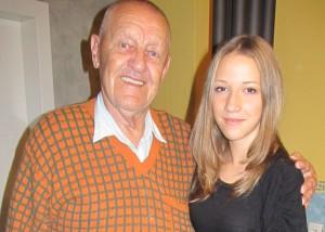 S vnučkou Máriou Bzovskou, víťazkou kovačických Rozspievaných klenotov