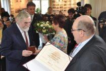Cena Ondreja Štefanka v rukách profesora Samuela Boldockého
