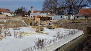 Práce na výstavbe budovy prebiehajú podľa stanovej dynamiky (foto: OSA)