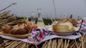 Tradicionalan vojvođanski doručak nije izostao ni na ovoj beloblatskoj manifestaciji