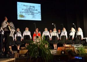 Kysáčsku pieseň zaspievala ženská a mužská spevácka skupina KIS Kysáč