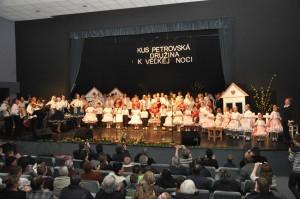 Tie petrovské zvony... Spoločná hymna KUS Petrovská družina
