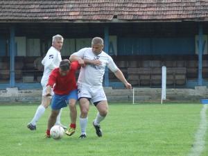 Najlepší hráč turnaja: Ján Benko (prvý zľava v bielom drese)