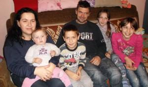 Rodina Miháľová: Dubravka (sprava), Anna-Mária, Miloslav, Michael, Daniela a Michaela
