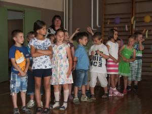 Prváci s učiteľkou Ľudmilou Kozovou