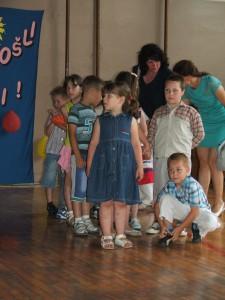 Srbská trieda s učiteľkou Annou Kolárovou
