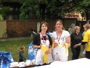 Víťazky Kristína Jonášová (vpravo) a Milina Hučoková s pripraveným cestom pre ďalšie herovky