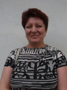 Učiteľka slovenčiny Ružena Ďuríková učí deti v Erdevíku, Ľube a Binguli