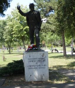 Pomník národného hrdinu Janka Čmelíka v Starej Pazove
