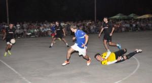 Lampone v druhom polčase finálového zápasu úspešne obránilo získanú prednosť z prvého polčasu