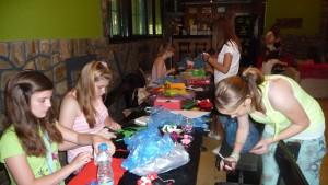 V mládežníckej klubovni vo Vrbare samé dievčatá