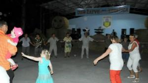 Na zábave tancovali i starí, i mladí