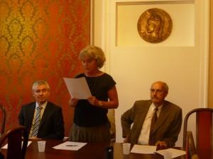 Slávnostné privítanie na univerzitnej pôde, zľava Jaroslav Šušol, Svetlana Hlavčáková aIgor Furdík (Foto: M. Necpálová)