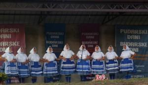 Členky Združenia pazovských žien