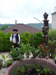 Jaroslav Velčický je aj autorom drevorezby Ľudovíta Štúra, umiestnenej vrodnom Uhrovci