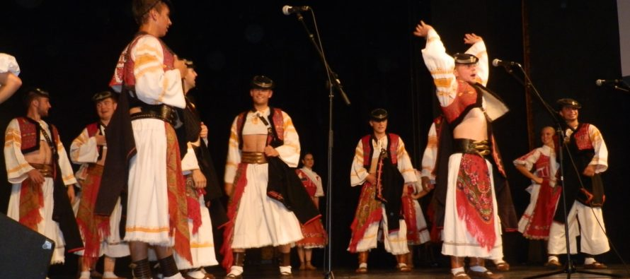 Členovia FS Podpoľanec z Detvy vystúpili v Starej Pazove