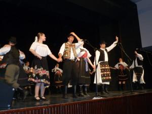 Počas vystúpenia FS Podpoľanec v Starej Pazove (Foto: A. Lešťanová)