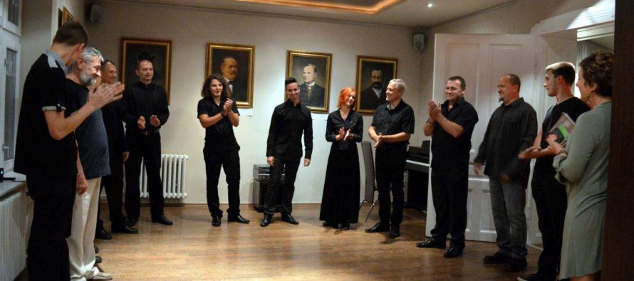 Vernisáž výstavy portrétov významných osobností v ÚKVS