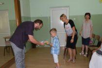 Dvadsaťštyri prvákov v staropazovskej slovenskej základnej škole