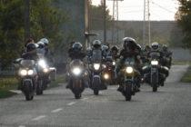 Zhruba 800 motorkárov na stretnutí